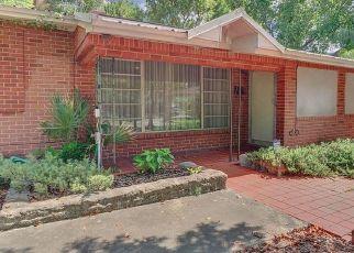 Pre Foreclosure in Tampa 33604 E FERN ST - Property ID: 1664742386