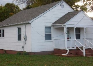 Pre Foreclosure in Madison Heights 24572 TYREE CIR - Property ID: 1664918903