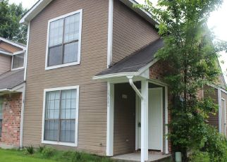Pre Foreclosure in Baton Rouge 70816 RIVERDALE AVE E - Property ID: 1666343176