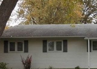Pre Foreclosure in Bolingbrook 60440 REDWOOD RD - Property ID: 1666801299