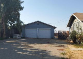 Pre Foreclosure in Woodlake 93286 S MAGNOLIA ST - Property ID: 1667618566