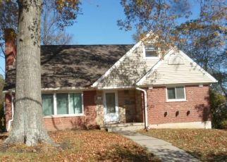 Pre Foreclosure in Cincinnati 45211 WESTBROOK DR - Property ID: 1668282983