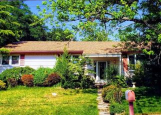 Pre Foreclosure in Neptune 07753 WAKEFIELD RD - Property ID: 1668746344
