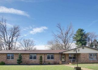 Pre Foreclosure in Quincy 62301 MIDLAN DR - Property ID: 1669022264