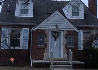 Pre Foreclosure in Eastpointe 48021 ASH AVE - Property ID: 1669487847