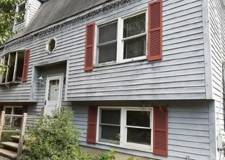 Pre Foreclosure in Wilmington 01887 OLMSTEAD AVE - Property ID: 1669595132