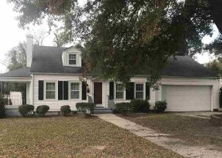 Pre Foreclosure in Dunn 28334 N ORANGE AVE - Property ID: 1669784343