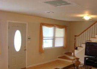 Pre Foreclosure in Avenel 07001 WOODRUFF AVE - Property ID: 1670005522