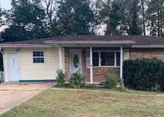 Pre Foreclosure in Poplar Bluff 63901 HAMPTON CT - Property ID: 1670332693