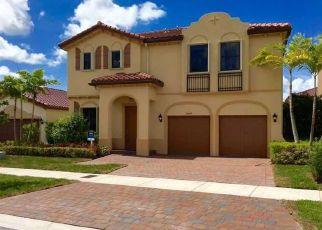 Pre Foreclosure in Miami 33187 SW 175TH ST - Property ID: 1670458385