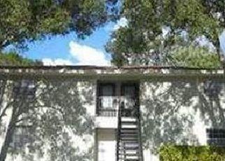 Pre Foreclosure in Tampa 33611 N OAK DR - Property ID: 1670504826