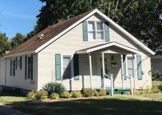 Pre Foreclosure in Benton 62812 W WEBSTER ST - Property ID: 1670693135