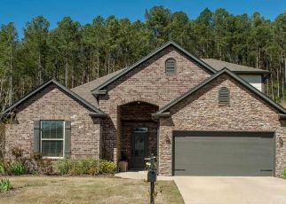 Pre Foreclosure in Calera 35040 MERION DR - Property ID: 1671104849