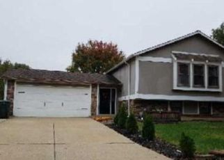 Pre Foreclosure in Saint Charles 63304 HIDDEN LAKE DR - Property ID: 1671796842