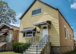 Pre Foreclosure in Berwyn 60402 CLARENCE AVE - Property ID: 1672694689