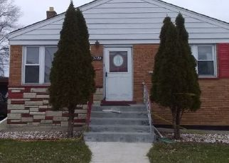 Pre Foreclosure in Chicago 60652 W 77TH PL - Property ID: 1672849733