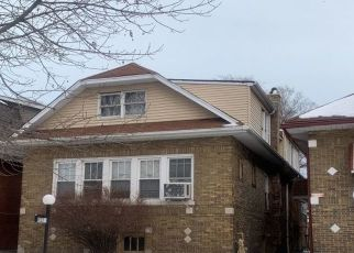 Pre Foreclosure in Chicago 60617 S MERRILL AVE - Property ID: 1672986372