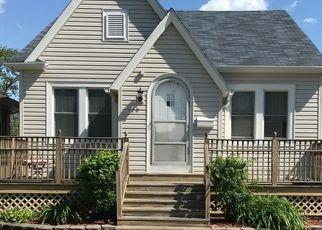 Pre Foreclosure in Calumet City 60409 WARREN ST - Property ID: 1673519387