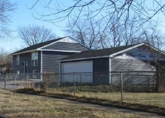 Pre Foreclosure in Chicago Heights 60411 225TH PL - Property ID: 1673668743