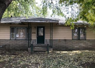 Pre Foreclosure in East Saint Louis 62206 WHITE ST - Property ID: 1673901747