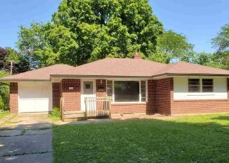 Pre Foreclosure in Rockford 61107 ROLAND AVE - Property ID: 1674139562