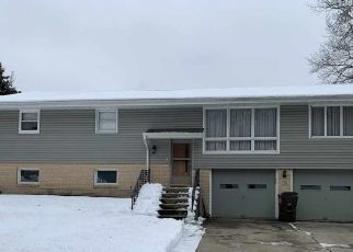 Pre Foreclosure in Rockford 61108 EDGEWOOD HILLS DR - Property ID: 1674142179