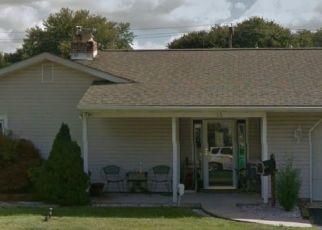 Pre Foreclosure in Levittown 19055 DOGWOOD DR - Property ID: 1674724248