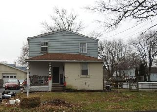 Pre Foreclosure in Warminster 18974 LEMON ST - Property ID: 1674790836
