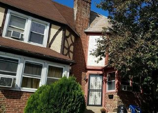 Pre Foreclosure in Upper Darby 19082 MAYPOLE RD - Property ID: 1674876674