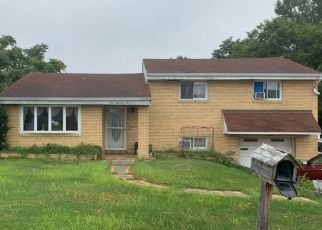 Pre Foreclosure in Pittsburgh 15209 VIENNESE DR - Property ID: 1676097299