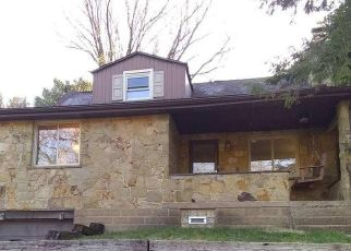 Pre Foreclosure in Pittsburgh 15235 LONG RD - Property ID: 1676113508
