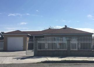Pre Foreclosure in Fontana 92335 PINE AVE - Property ID: 1677954307