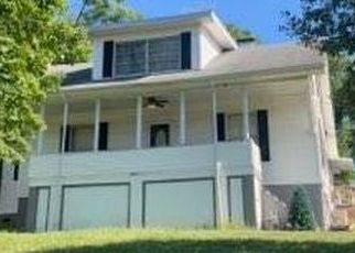 Pre Foreclosure in Charleston 25314 OAKWOOD RD - Property ID: 1679027347