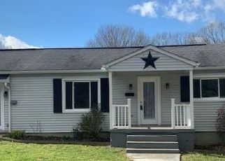 Pre Foreclosure in Shady Spring 25918 CLARK MILAM ADDITION - Property ID: 1679147802