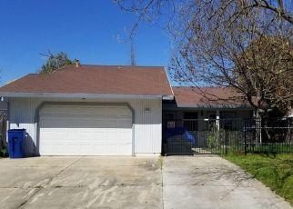 Pre Foreclosure in Sacramento 95828 TIERRA WOOD WAY - Property ID: 1679476718