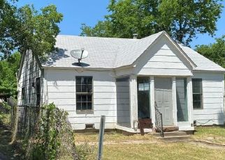 Pre Foreclosure in Fort Worth 76112 OLD HANDLEY RD - Property ID: 1679699646