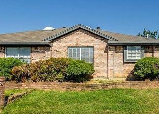 Pre Foreclosure in Arlington 76001 VALLEYBROOKE CT - Property ID: 1679704455