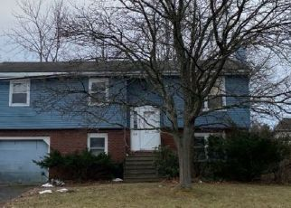 Pre Foreclosure in Cohoes 12047 VLIET BLVD - Property ID: 1679718470