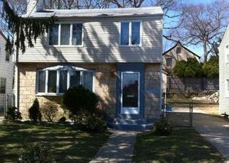 Pre Foreclosure in Hempstead 11550 PRESIDENT ST - Property ID: 1680220837