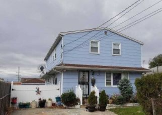 Pre Foreclosure in Lynbrook 11563 WILSON AVE - Property ID: 1680250613