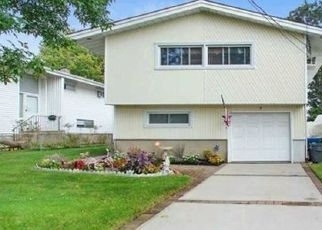 Pre Foreclosure in Freeport 11520 BEDELL ST - Property ID: 1680378952