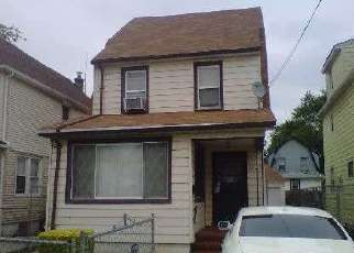 Pre Foreclosure in Queens Village 11429 208TH ST - Property ID: 1680659681