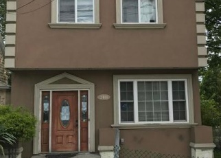 Pre Foreclosure in Staten Island 10306 RICHMOND RD - Property ID: 1680793254