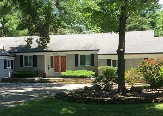 Pre Foreclosure in Toledo 43615 VALLEY BROOK DR - Property ID: 1681343796