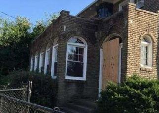 Pre Foreclosure in Camden 08103 PARK BLVD - Property ID: 1683412344