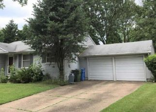 Pre Foreclosure in Cherry Hill 08034 COVERED BRIDGE RD - Property ID: 1683425485