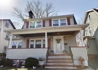Pre Foreclosure in Bloomfield 07003 BROAD ST - Property ID: 1683636588