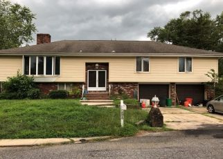 Pre Foreclosure in Woodbury 08096 DIVINE AVE - Property ID: 1683737315