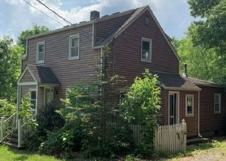 Pre Foreclosure in Somerville 08876 SOPHIE ST - Property ID: 1683869591