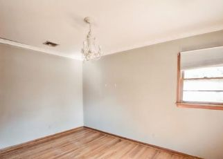 Pre Foreclosure in Pequannock 07440 LINCOLN PARK RD - Property ID: 1684127108